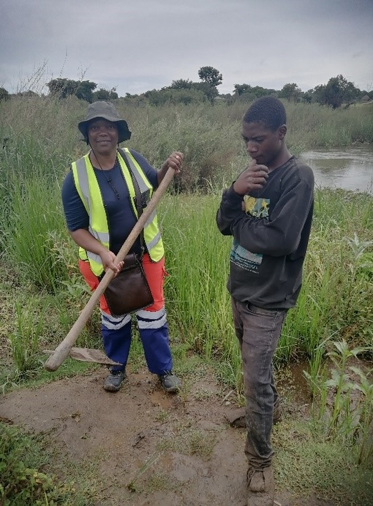 Rudo Violet Denga, one of RUFORUM's PhD students, conducting fieldwork in Bulangililo, along the Kafue River, Kitwe, Zambia